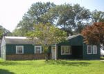 Short Sale in Tuckerton 08087 OAKLEAF DR - Property ID: 6313592406