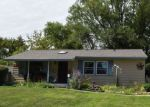 Short Sale in Carpentersville 60110 ALAMEDA DR - Property ID: 6315379788