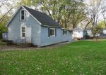 Short Sale in Spring Grove 60081 N 7TH AVE - Property ID: 6317498707