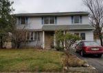 Short Sale in Edison 08817 KAREN PL - Property ID: 6320300867