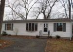 Foreclosure Auction in Stratford 06614 CIRCLE DR - Property ID: 1720851234