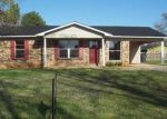 Foreclosed Home in Decatur 35603 LYNNWOOD CIR SW - Property ID: 1265058260