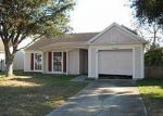 Foreclosed Home in Tampa 33624 GREENAIRE DR - Property ID: 1945869125