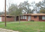 Foreclosed Home in Devine 78016 W MOORE AVE - Property ID: 3941563342
