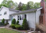 Foreclosed Home in Branford 06405 CARRIAGE HILL DR - Property ID: 3970728477