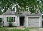 Foreclosed Home in West Hartford 06117 MOUNTAIN RD - Property ID: 4020134121