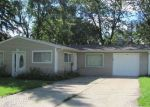 Foreclosed Home in Streamwood 60107 CENTER RD - Property ID: 4035669506