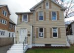 Foreclosed Home in New Britain 06051 ELLIS ST - Property ID: 4099366700