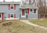 Foreclosed Home in Waterbury 06706 LONGMEADOW DR - Property ID: 4129231705