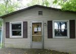 Foreclosed Home in Warsaw 46580 HILLSIDE DR - Property ID: 4129722224