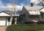 Foreclosed Home in Center Line 48015 STEPHENS - Property ID: 4131210913