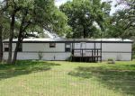 Foreclosed Home in La Vernia 78121 HICKORY HILL DR - Property ID: 4131843332