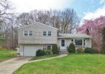 Foreclosed Home in New Haven 06513 JULIUS DR - Property ID: 4133552761