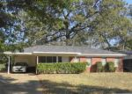 Foreclosed Home in Shreveport 71108 WOODMONT PL - Property ID: 4144048809