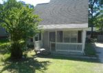 Foreclosed Home in Charlotte 28215 RIVER FALLS DR - Property ID: 4146771693