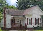 Foreclosed Home in Pinckneyville 62274 E PARKER ST - Property ID: 4149761740