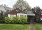 Foreclosed Home in Detroit 48224 BEACONSFIELD ST - Property ID: 4153160409