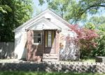 Foreclosed Home in Livonia 48150 WAYNE RD - Property ID: 4159462416