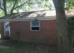 Foreclosed Home in Franklin 42134 GROVES LN - Property ID: 4206101391