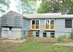 Foreclosed Home in Terryville 06786 HIGHLAND RD - Property ID: 4212212444