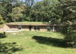 Foreclosed Home in Hillsboro 62049 LAKECREST LN - Property ID: 4215145108