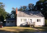 Foreclosed Home in Manchester 06040 CRESTWOOD DR - Property ID: 4218312998