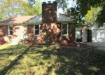 Foreclosed Home in Livonia 48154 N STANMOOR DR - Property ID: 4219429379