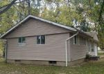 Foreclosed Home in Du Quoin 62832 S BALLANTINE AVE - Property ID: 4223218287