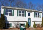 Foreclosed Home in New Haven 06513 LAURA CIR - Property ID: 4238247367
