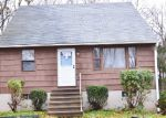 Foreclosed Home in Waterbury 06708 CLOUGH RD - Property ID: 4245440207