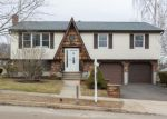 Foreclosed Home in East Haven 06512 VIEW TER - Property ID: 4256869587