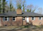 Foreclosed Home in Richmond 23225 N JUNALUSKA DR - Property ID: 4261204212