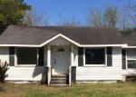 Foreclosed Home in Burgaw 28425 W SATCHWELL ST - Property ID: 4261555473