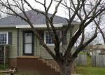 Foreclosed Home in Johnston City 62951 BARHAM AVE - Property ID: 4263975723