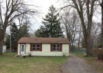 Foreclosed Home in Livonia 48154 HARRISON ST - Property ID: 4266041643