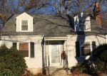 Foreclosed Home in Fairfield 06824 CRESTWOOD RD - Property ID: 4266565903