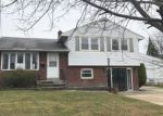 Foreclosed Home in Pennsauken 08110 CAVEROW AVE - Property ID: 4267554849