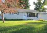 Foreclosed Home in Clinton 61727 HICKORY DR - Property ID: 4271259214