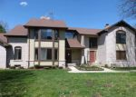 Foreclosed Home in Clinton Township 48038 VILLA GRANDE CIR - Property ID: 4271387549
