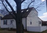 Foreclosed Home in Burlington 08016 WATTS AVE - Property ID: 4271897348