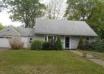 Foreclosed Home in Stratford 06614 CASTLE DR - Property ID: 4272633591