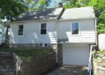 Foreclosed Home in Waterbury 06705 MILL PLAIN AVE - Property ID: 4273199893