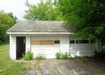 Foreclosed Home in Saginaw 48603 HERMANSAU DR - Property ID: 4278499818