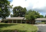 Foreclosed Home in Muscle Shoals 35661 RIVER RD - Property ID: 4283134899