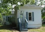 Foreclosed Home in Clinton 61727 E WASHINGTON ST - Property ID: 4287078404