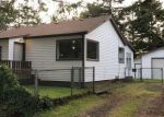 Foreclosed Home in Coos Bay 97420 WALLACE RD - Property ID: 4288183408