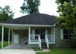 Foreclosed Home in Denham Springs 70726 CALLAHAN DR - Property ID: 4288889878
