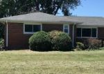 Foreclosed Home in Alton 62002 WOLF RD - Property ID: 4289186822