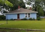 Foreclosed Home in Laurinburg 28352 MCRAE ST - Property ID: 4290229178