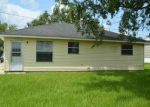 Foreclosed Home in Vacherie 70090 MAGNOLIA HEIGHTS ST - Property ID: 4294264237